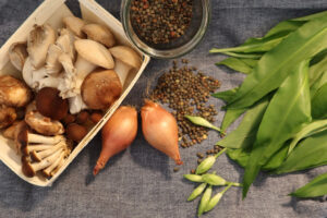 Lentilles à l'ail des ours & poêlée de champignons